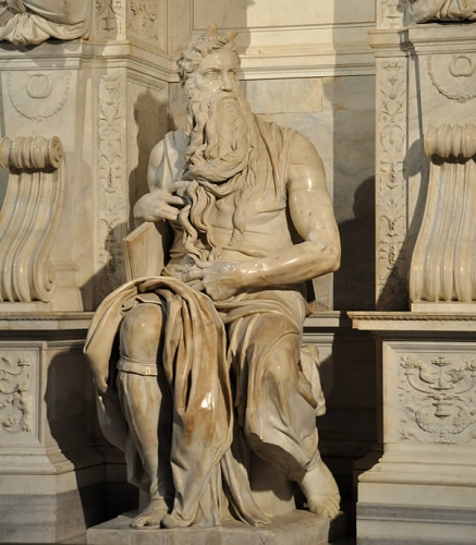 cornes-moise-statue.jpg