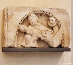 Senlis 1150 Louvre bas relief.JPG